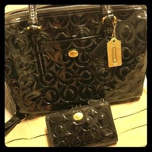 Coach Black patent leather Purse and wallet